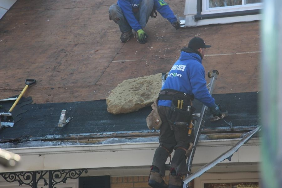 Four Things to Check with Your Roofer in Canton Michigan before a Roof Replacement