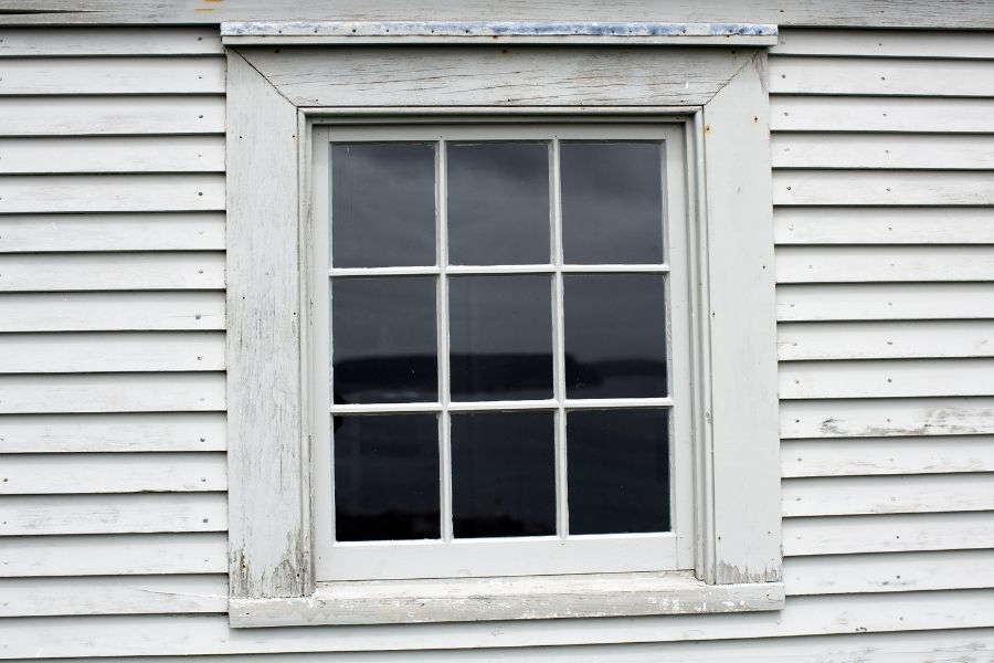 Should You Choose Vinyl Windows in Downriver Michigan Even if Your Home Has Wooden Windows?